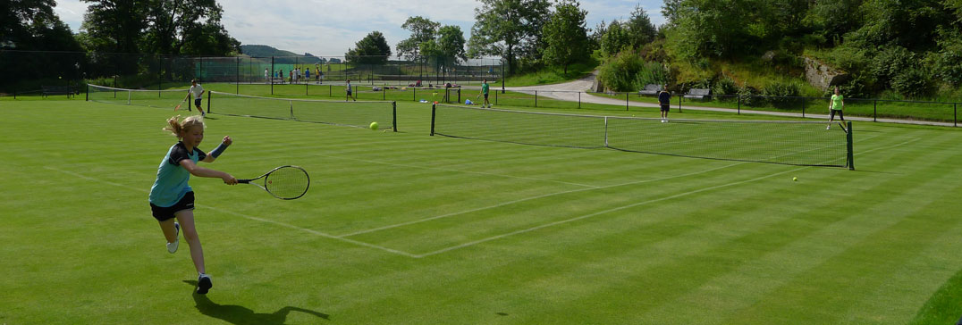 Tennis sur les courts en gazon du Yorkshire Camp